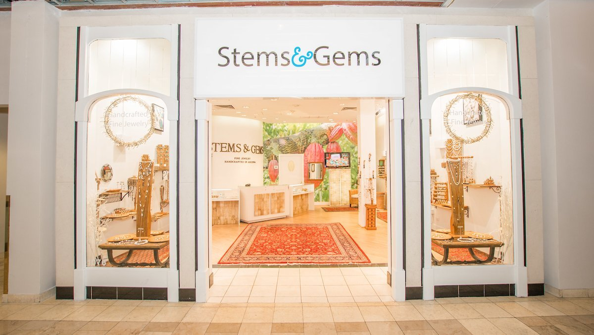 Stems and Gems Fashion Sqaure Mall 4